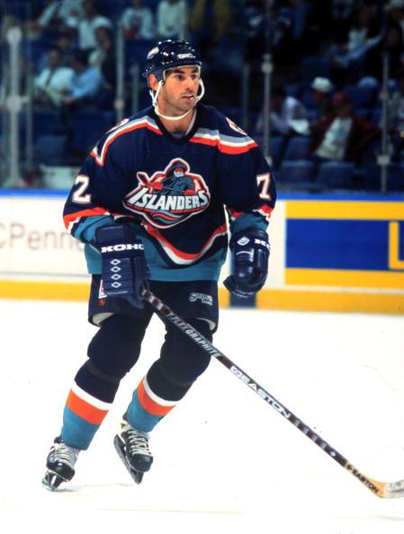 Islanders Mathieu Schneider